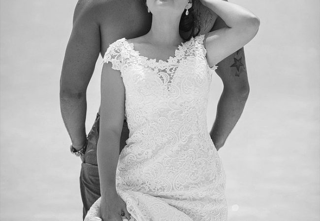 Aitutaki Trash the Wedding Dress | Shana and Jesse